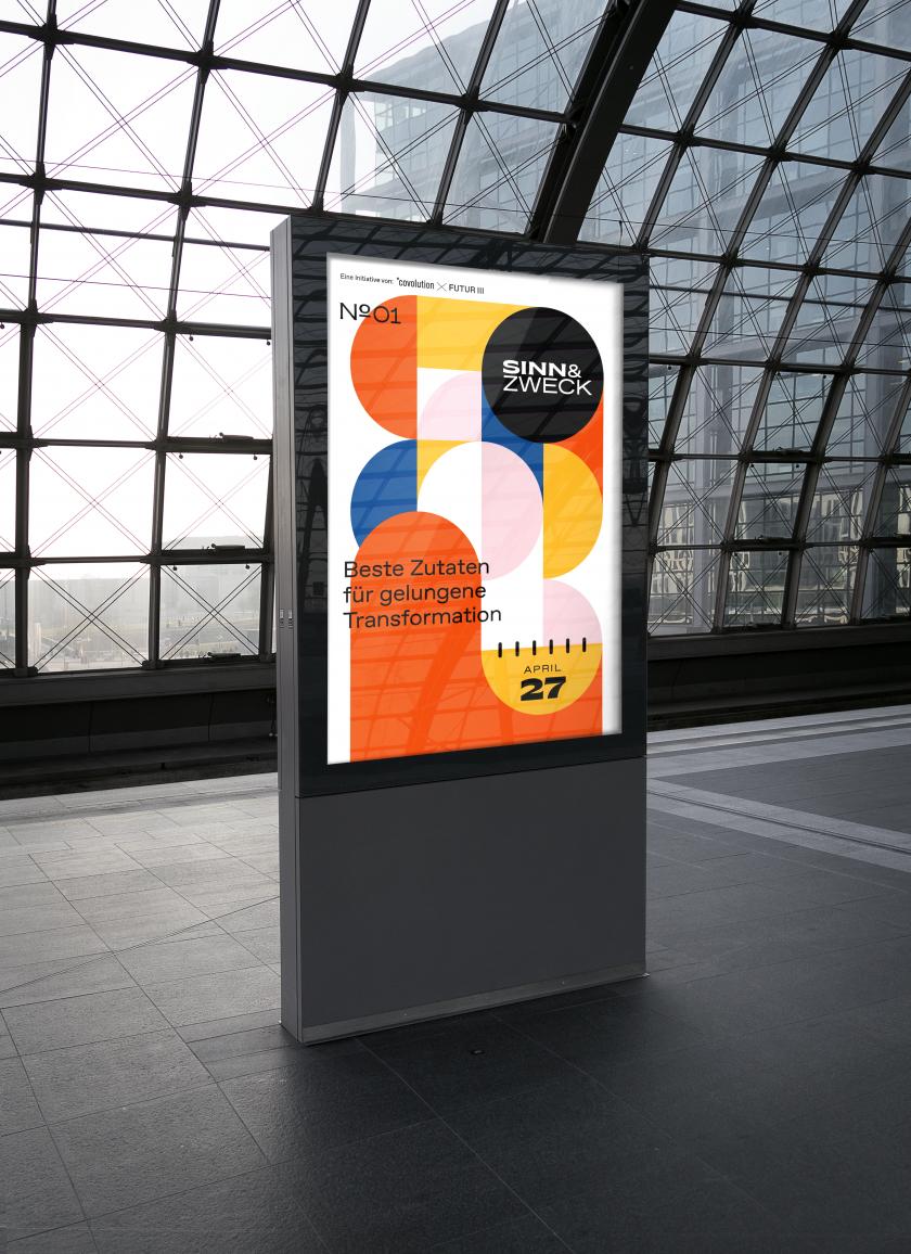 Poster von Sinn & Zweck in einem Bahnhofsgebäude